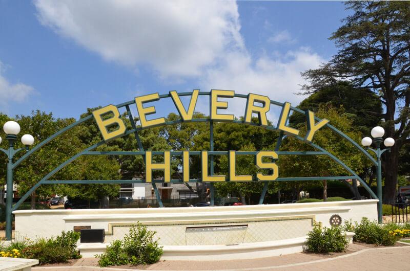 Beverly Hills Sign am Brunnen