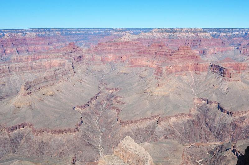 Tiefe Schlucht im Grand Canyon
