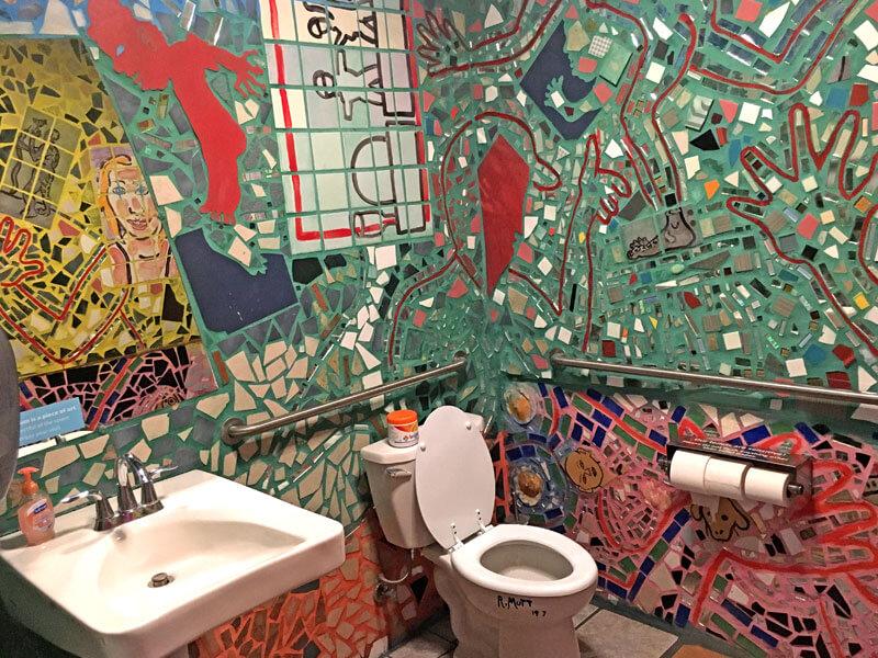 Philadelphia Magic Gardens Badezimmer