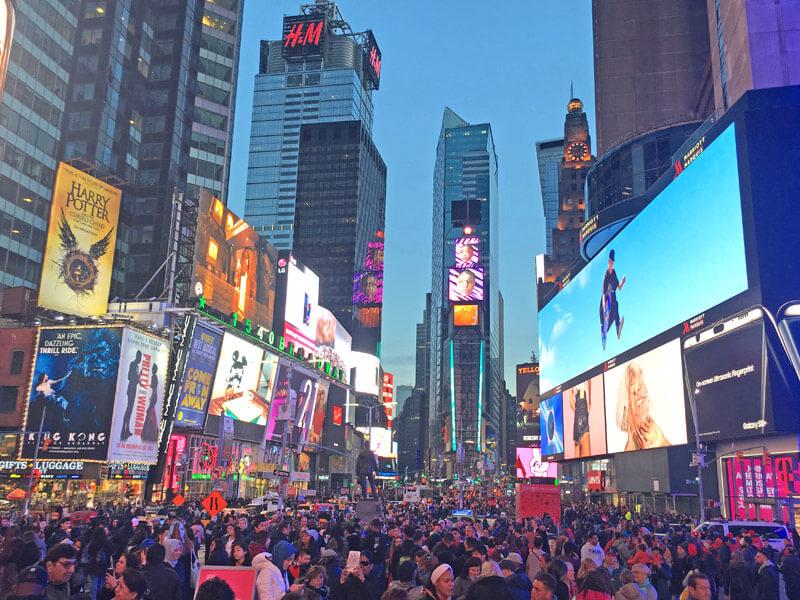 Times Square während des New York Urlaub