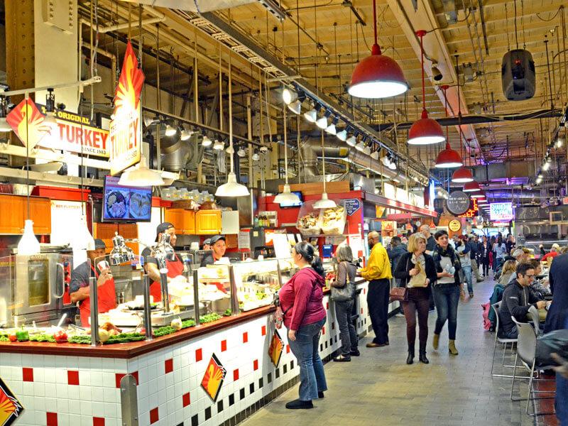Einkaufsmeile im Reading Terminal Market