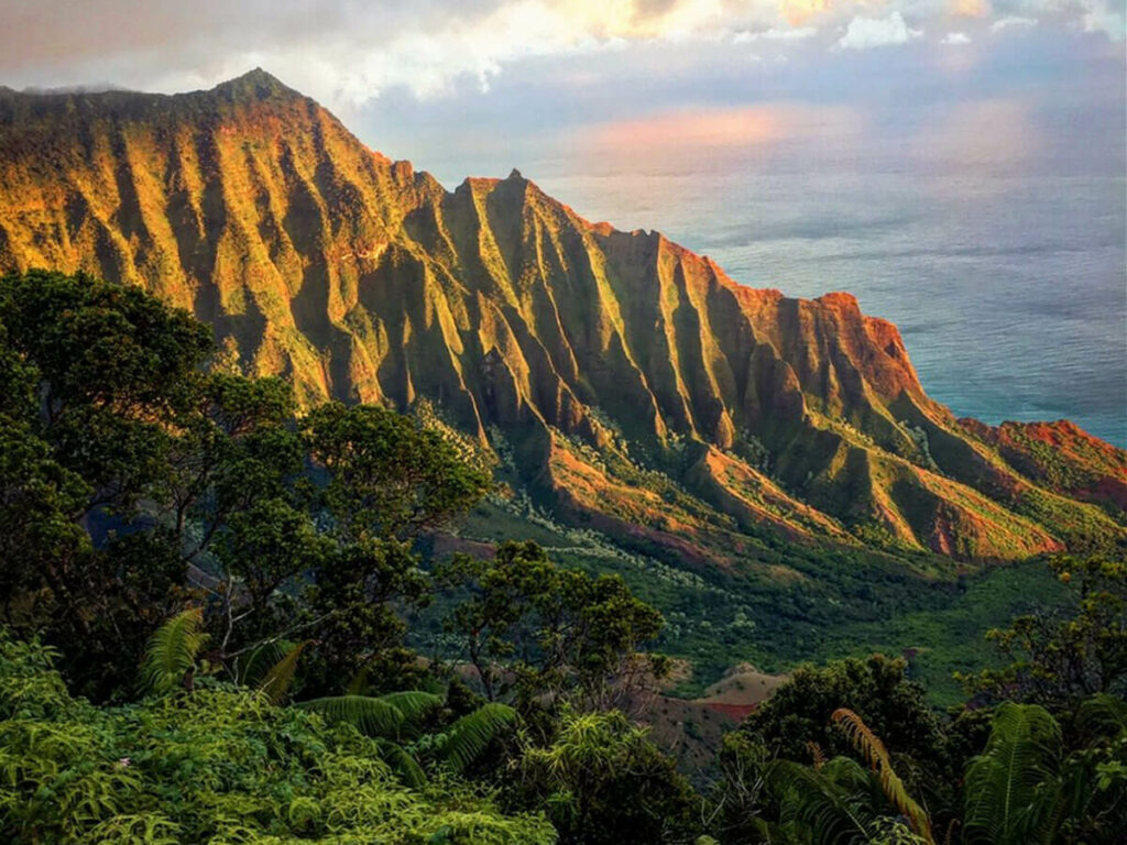 Beste Reisezeit für Hawaii am Kalalau Lookout