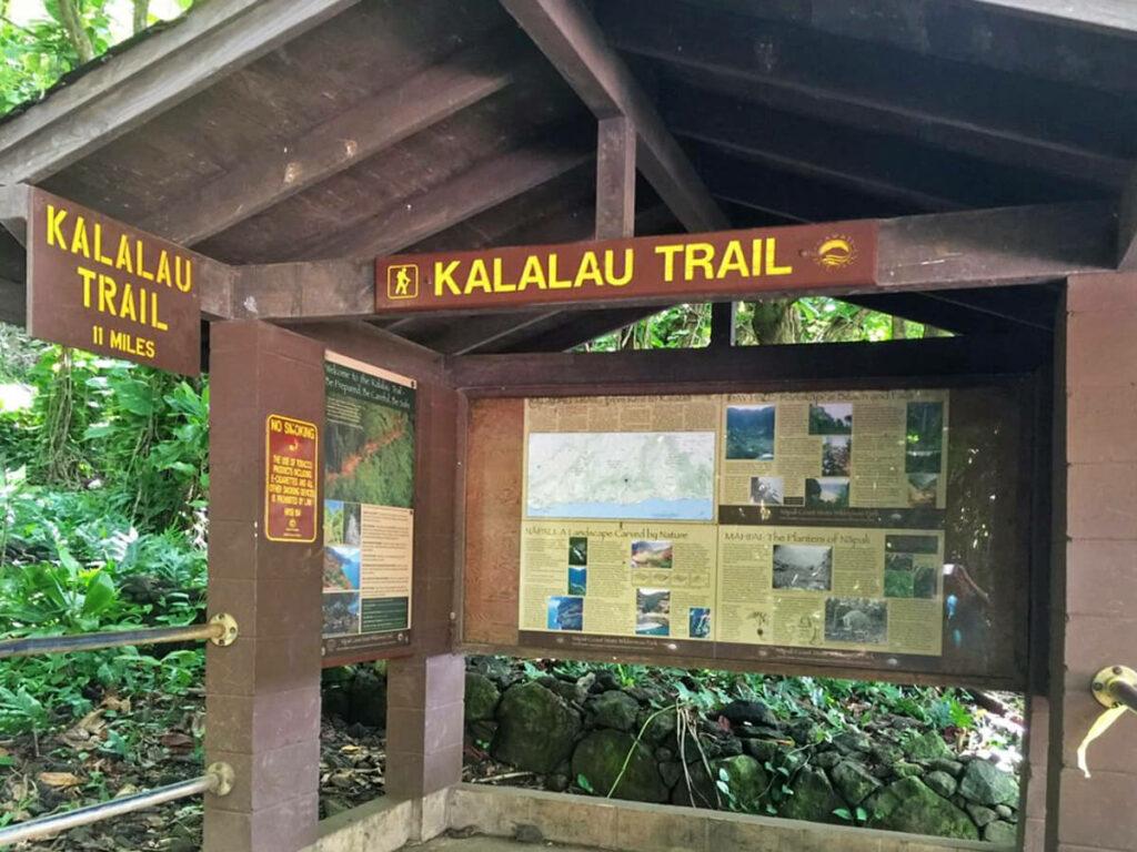Schutzhütte Kalalaut Trail auf Kauai