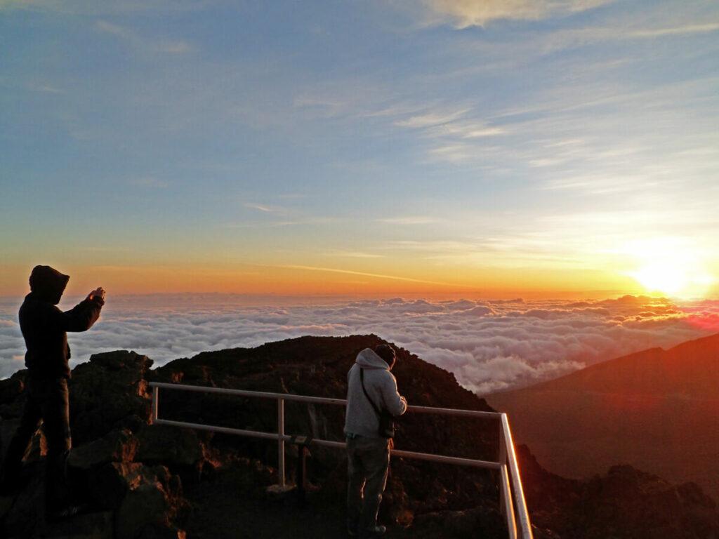 Sonnenaufgang um 4:30 Uhr am Haleakala auf Maui