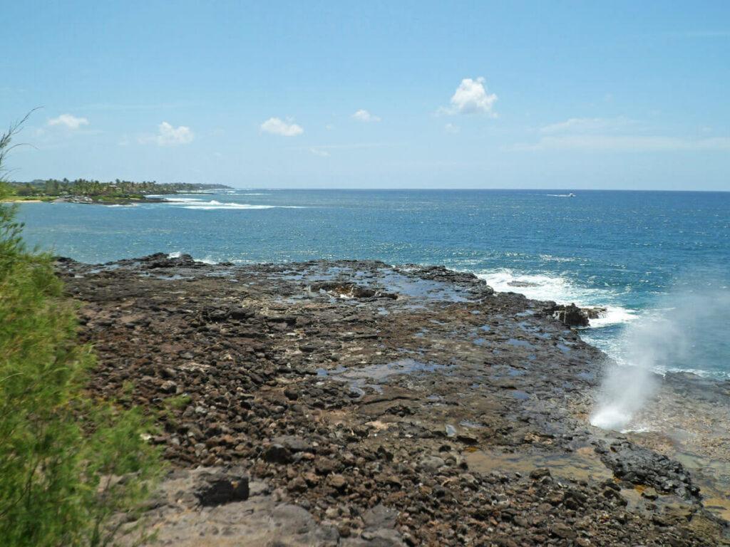 Wasserfontäne des Spouting Horn auf Kauai