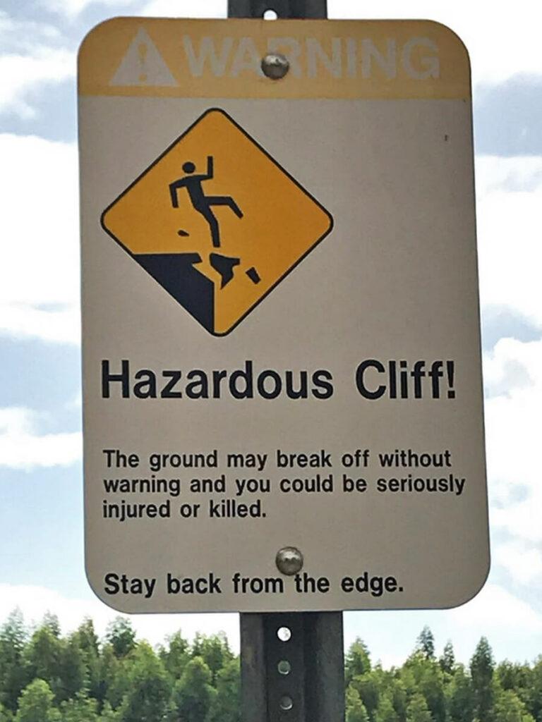 Abschurzhinweis Tafel am Wailua Falls