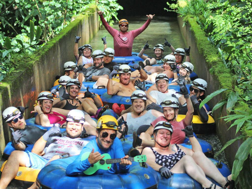 Gruppenbild vom Tubing auf Kauai