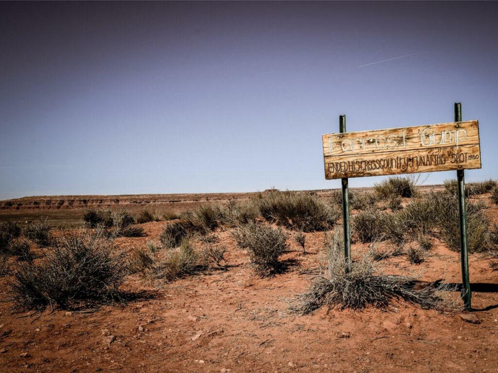 Forrest Gump Point Schild in der Wüste