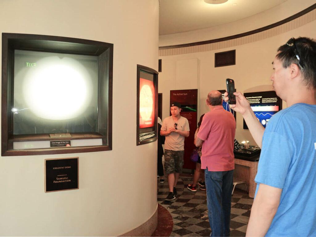 Sonnenbeobachtung im Griffith Observatorium