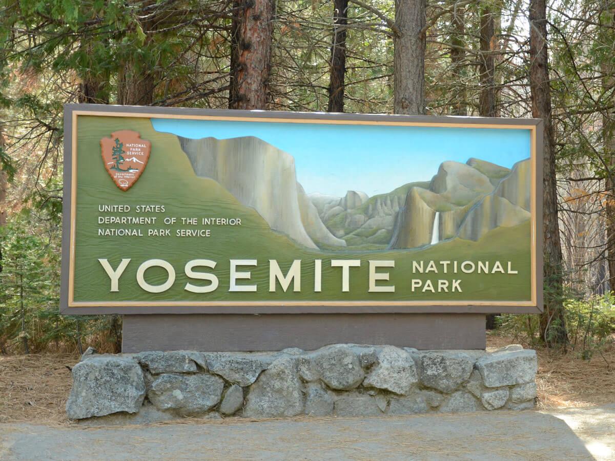 Einsgang zum Yosemite NP