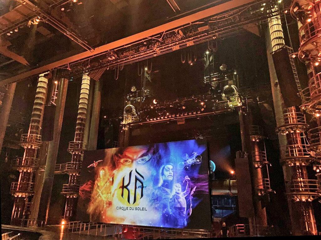 Bühnen in der Show Ka von Cirque du Soleil