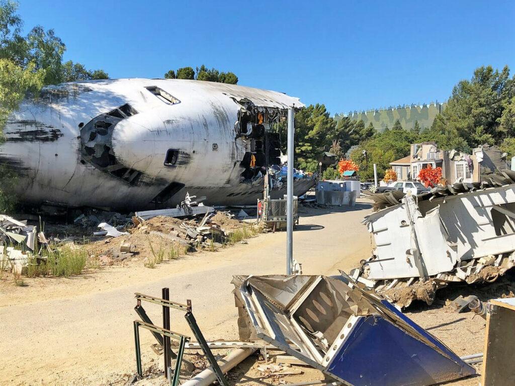 Szenenbild einer Flugzeugabsturz auf der Studio Tour der Universal Studios