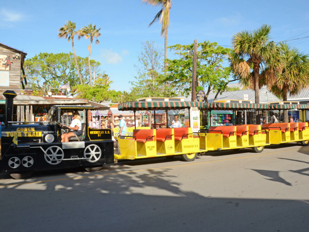 Key West Trolly stoppt am Mallory Square
