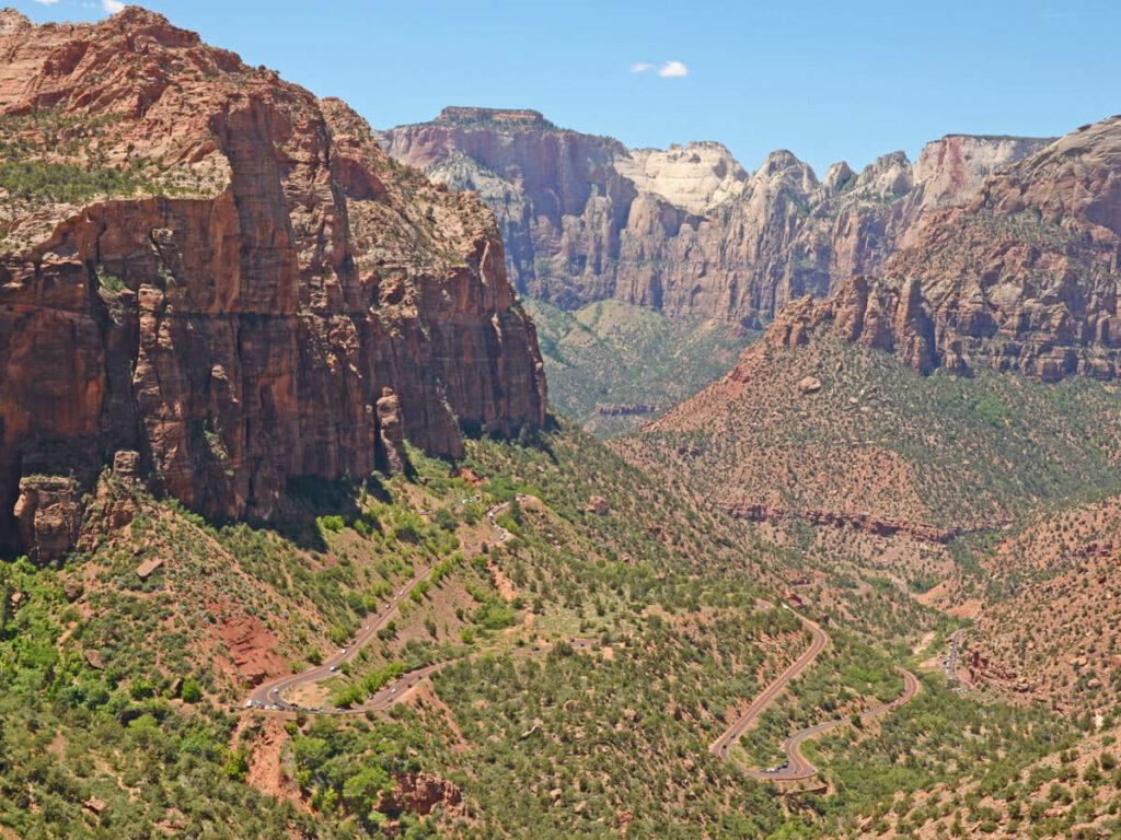 Blick ins Zion Tall vom Overlook Trail aus