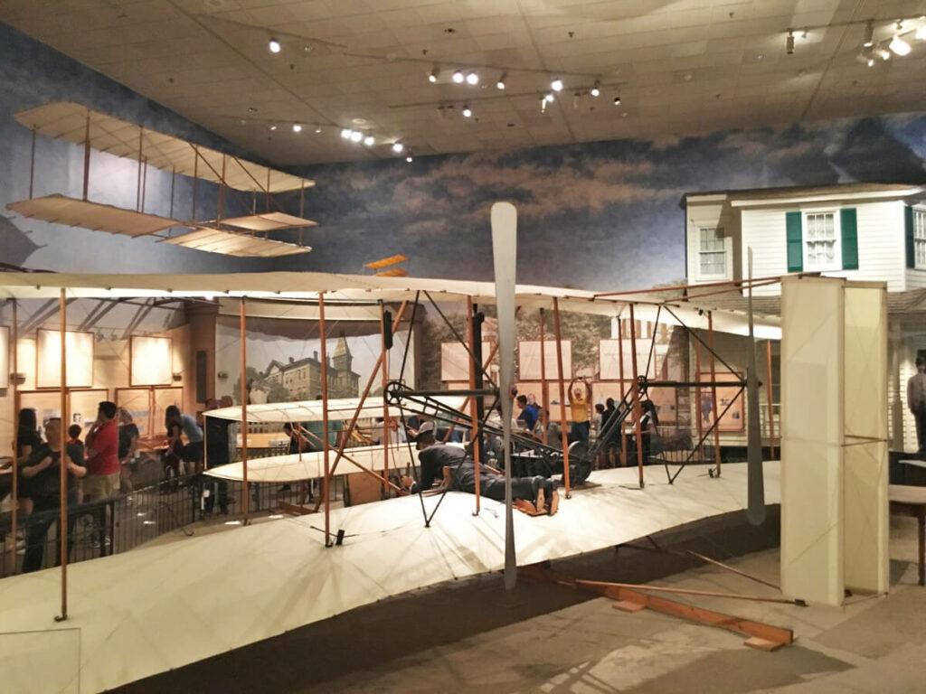 Gebr. Wright Flugzeug im Air Space Museum Washington