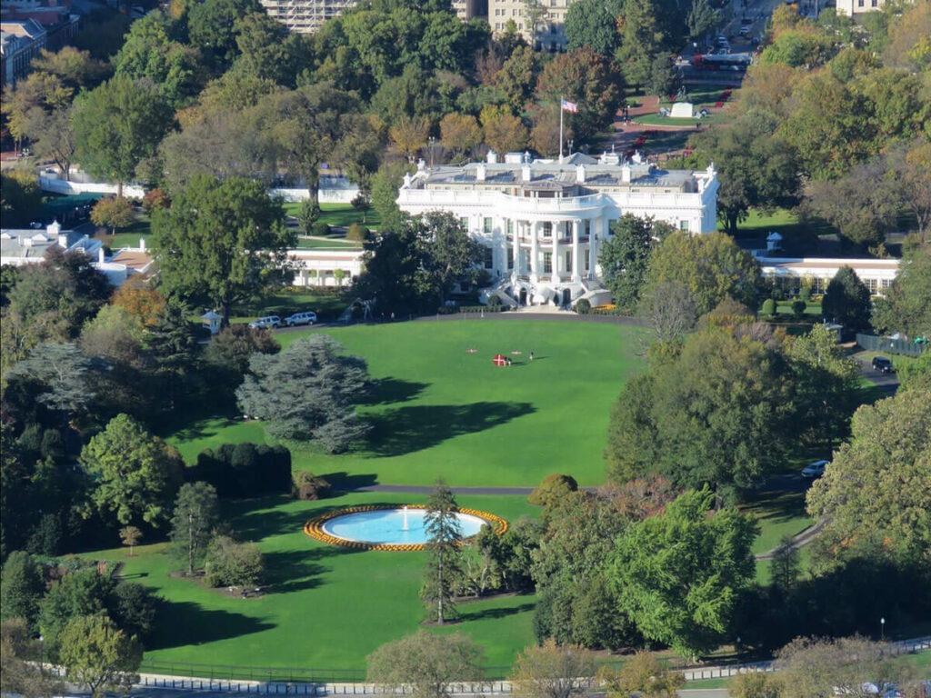 Blick aufs Weiße Haus vom Washington Monument aus