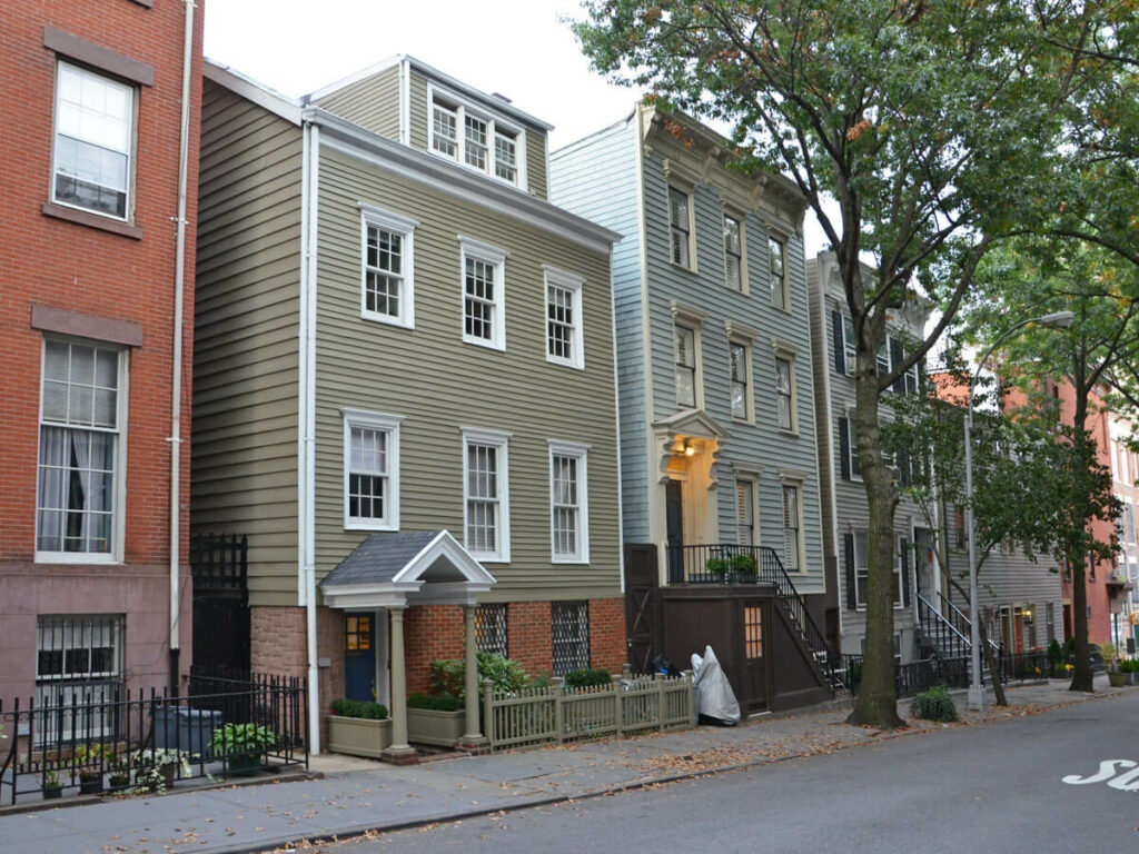 Typische Straße mit schönen Häusern im Greenwich Village