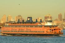Staten Island Ferry auf dem Wasser