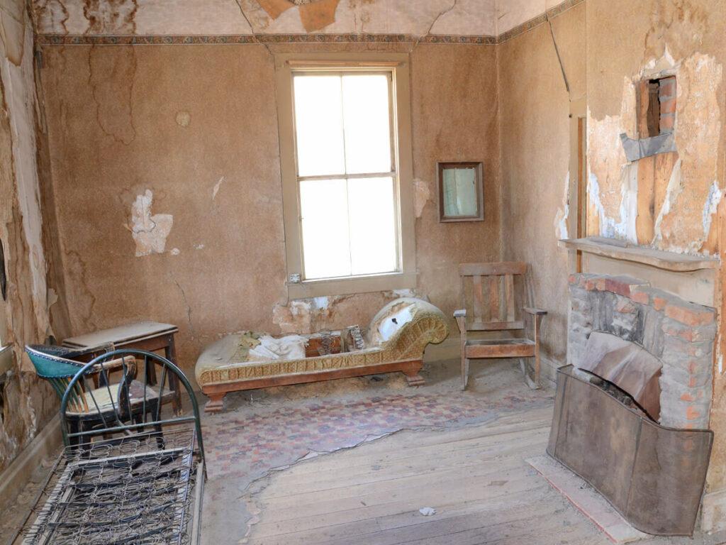 Altes Zimmer in der Geisterstadt Bodie