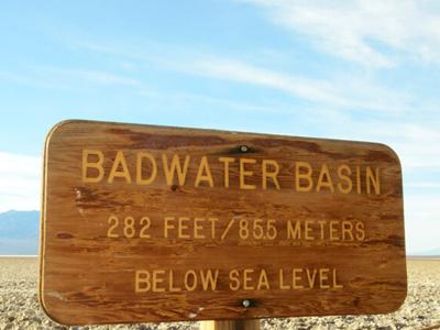 Bad Water im Death Valley auf der Westküsten Rundreise