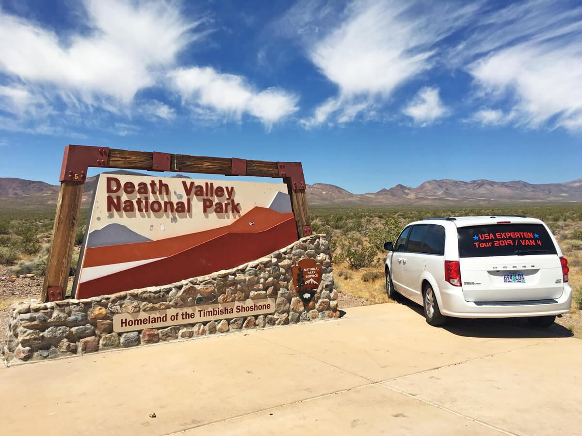 USA-Reisen Experten Minivan im Death Valley