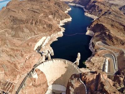 Hoover Dam im Südwesten der USA aus der Luft