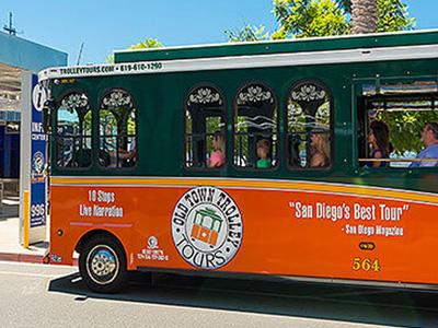 Auf einer Trolly Tour alle Sehenswürdigkeiten in San Diego gesehen