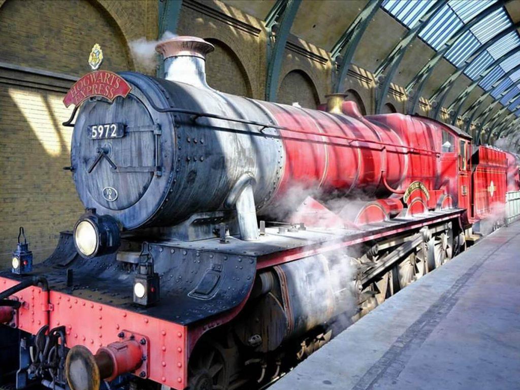 Hogwarts Express im Bahnhof Islands of Adventure